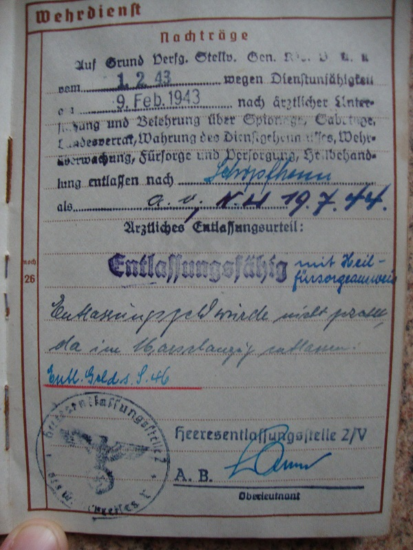 Traduction et identification d 'un Wehrpass et ses papiers Lxsm