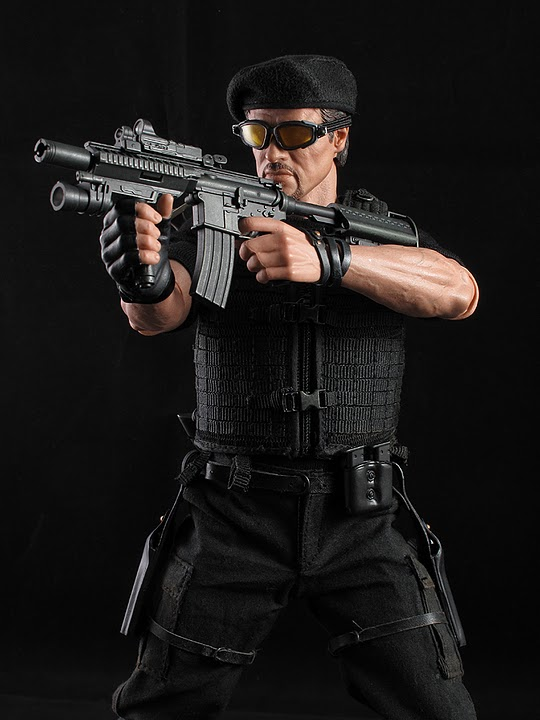 "HOTTOYS (figurine 12"" THE EXPENDABLES) - Page 5 Ross027"