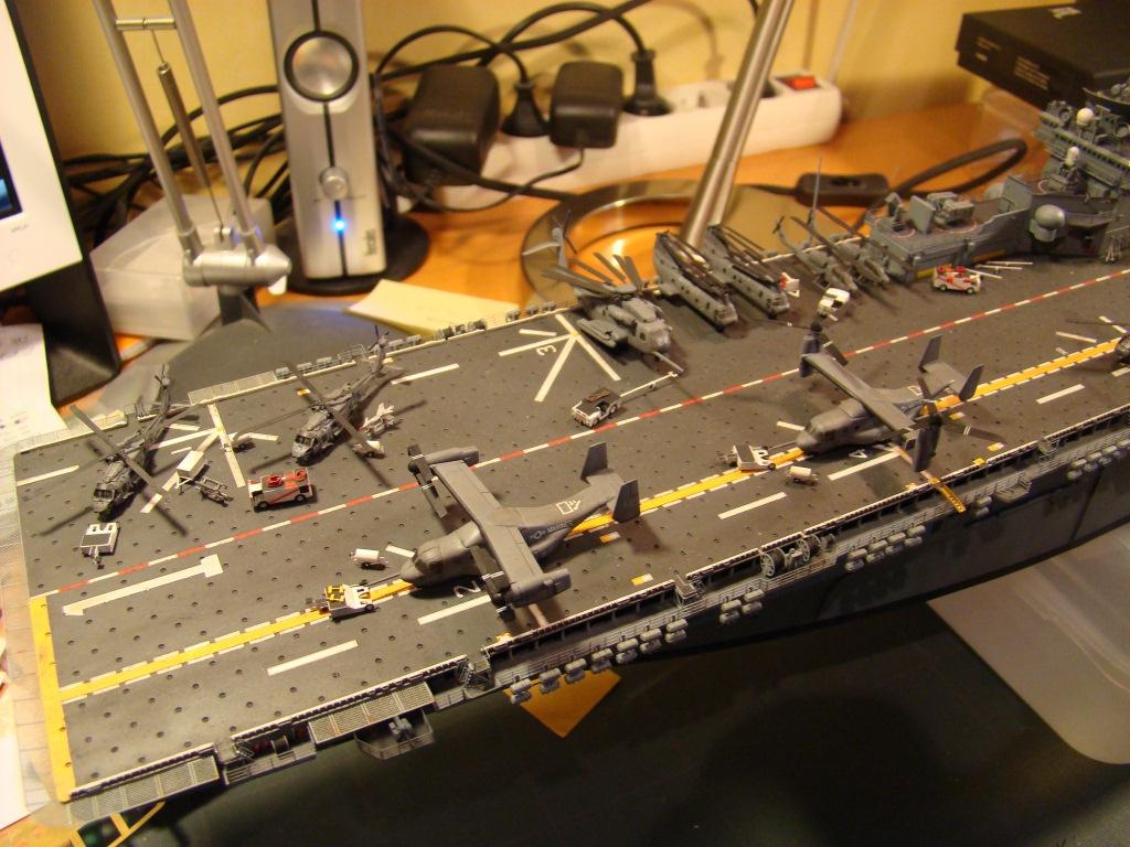 USS WASP LHD-1 au 1/350ème par nova73 - Page 8 Dsc09117n