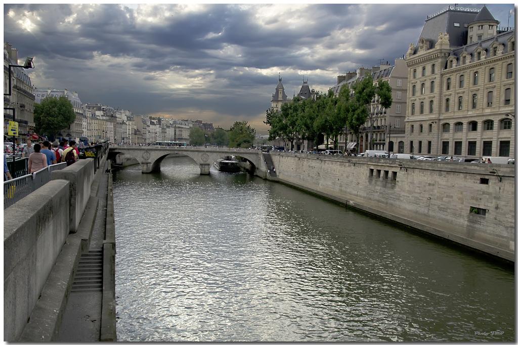 A Paris au mois d'août.  - Page 10 Jp115671024
