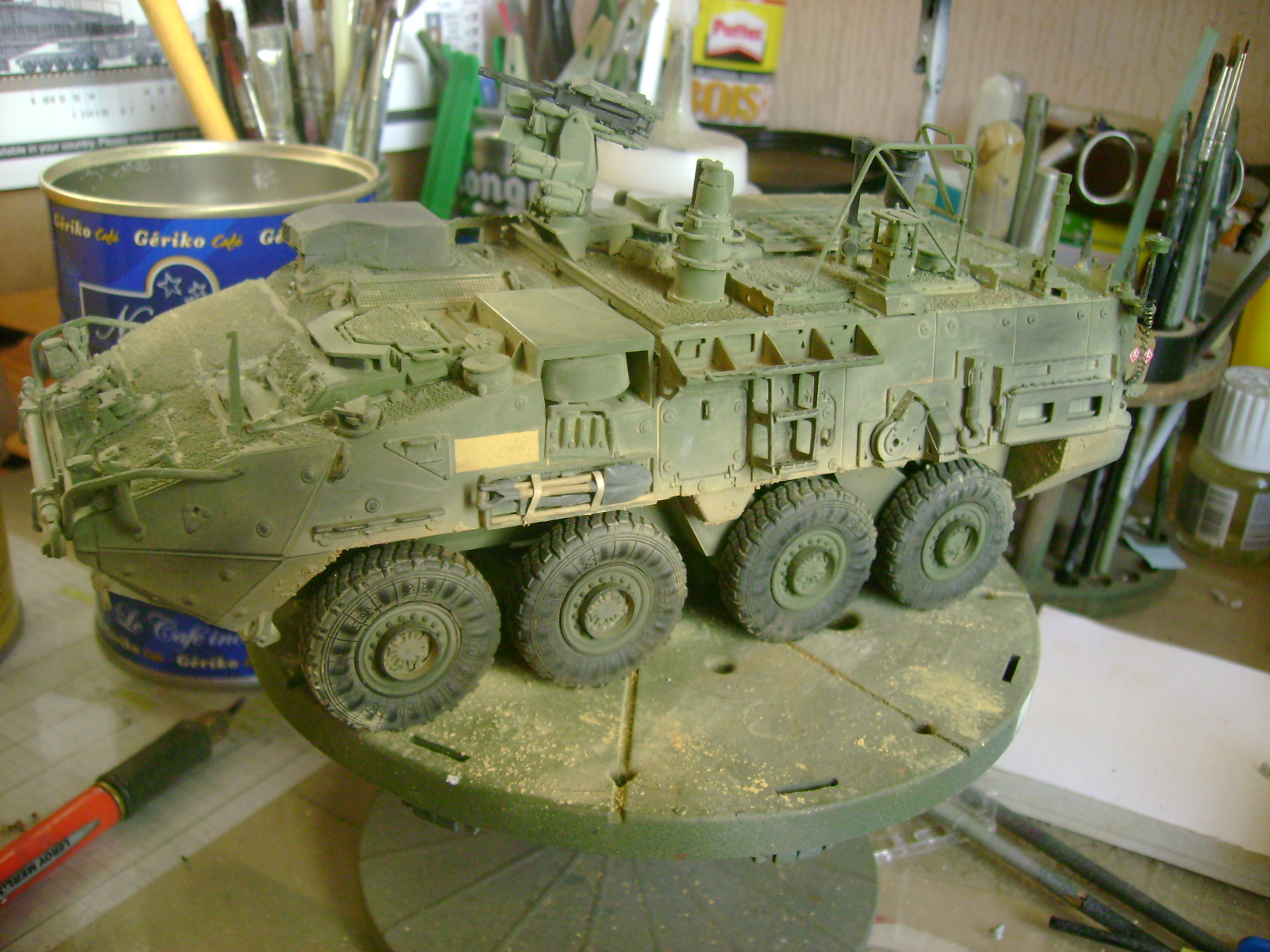 M1135 Stryker NBC RV 1/35 Trumpeter....Terminer Up du 29/10... - Page 3 13646939