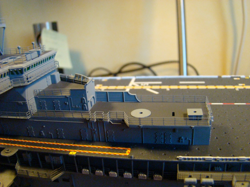 USS WASP LHD-1 au 1/350ème par nova73 - Page 7 Dsc09063iy