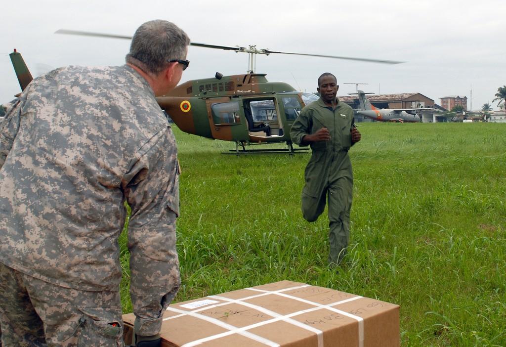 Forces Armées Camerounaises Ussoldiersprepareafrica