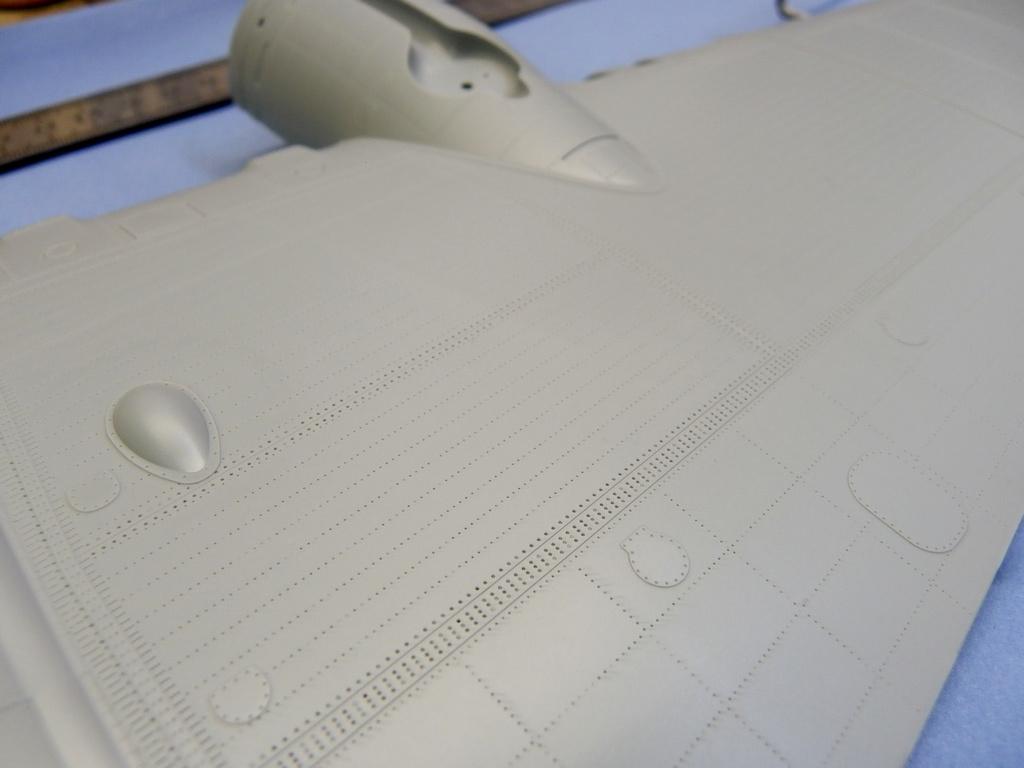 [Revue de Kit] BOEING B-17G - Hong Kong Models - 1/32 Dnt3