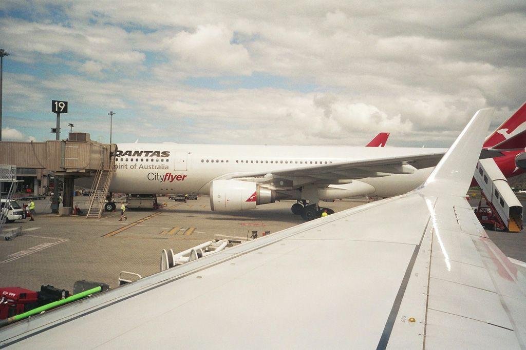 Cianrs-Sydney en 737-800 de la Virgin Blue A330from737yv2