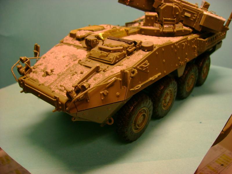 Stryker M1128 MGS Terminé.... - Page 2 Dsc00580z