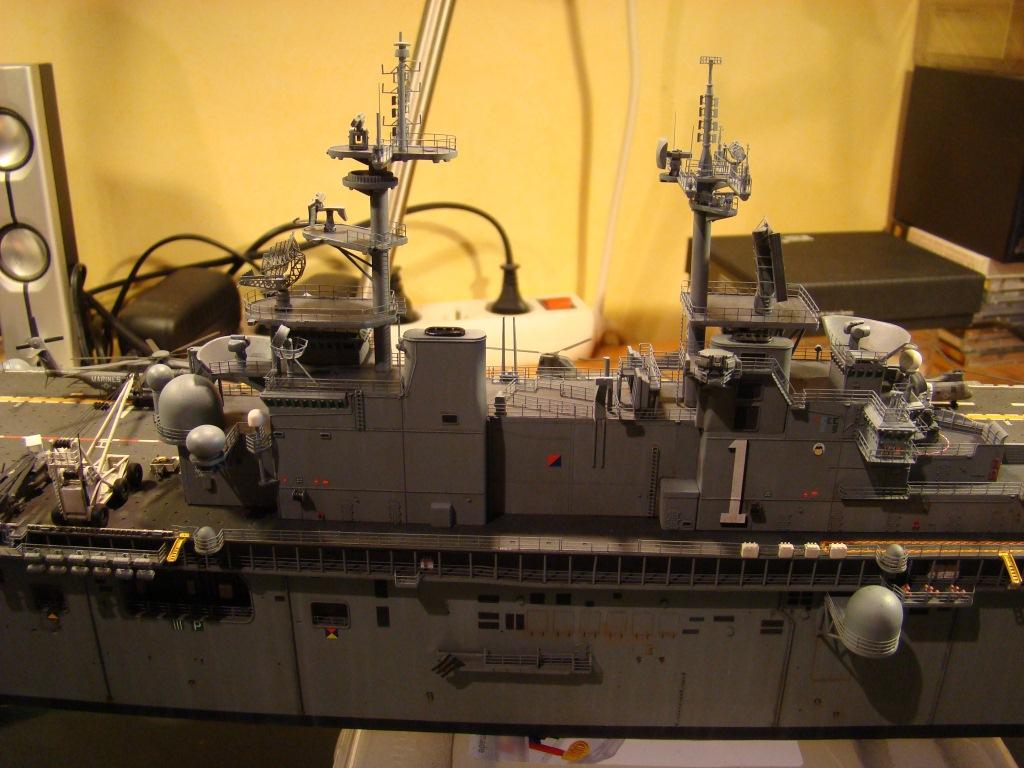 USS WASP LHD-1 au 1/350ème par nova73 - Page 8 Dsc09124y