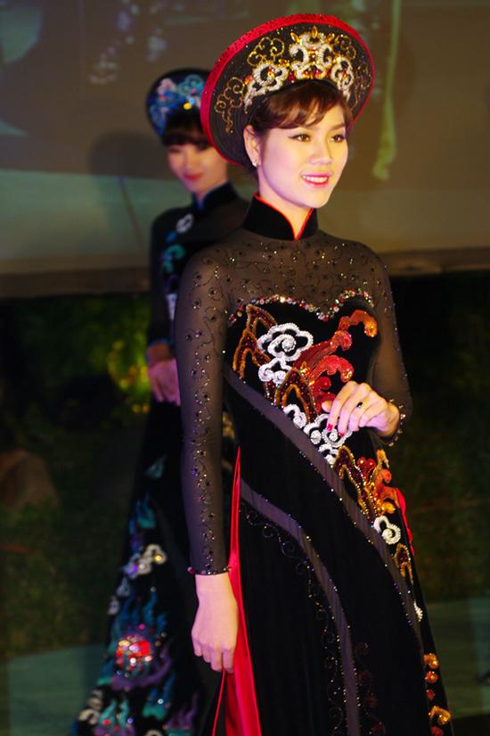 2 bộ sưu tập áo dài Aodai1