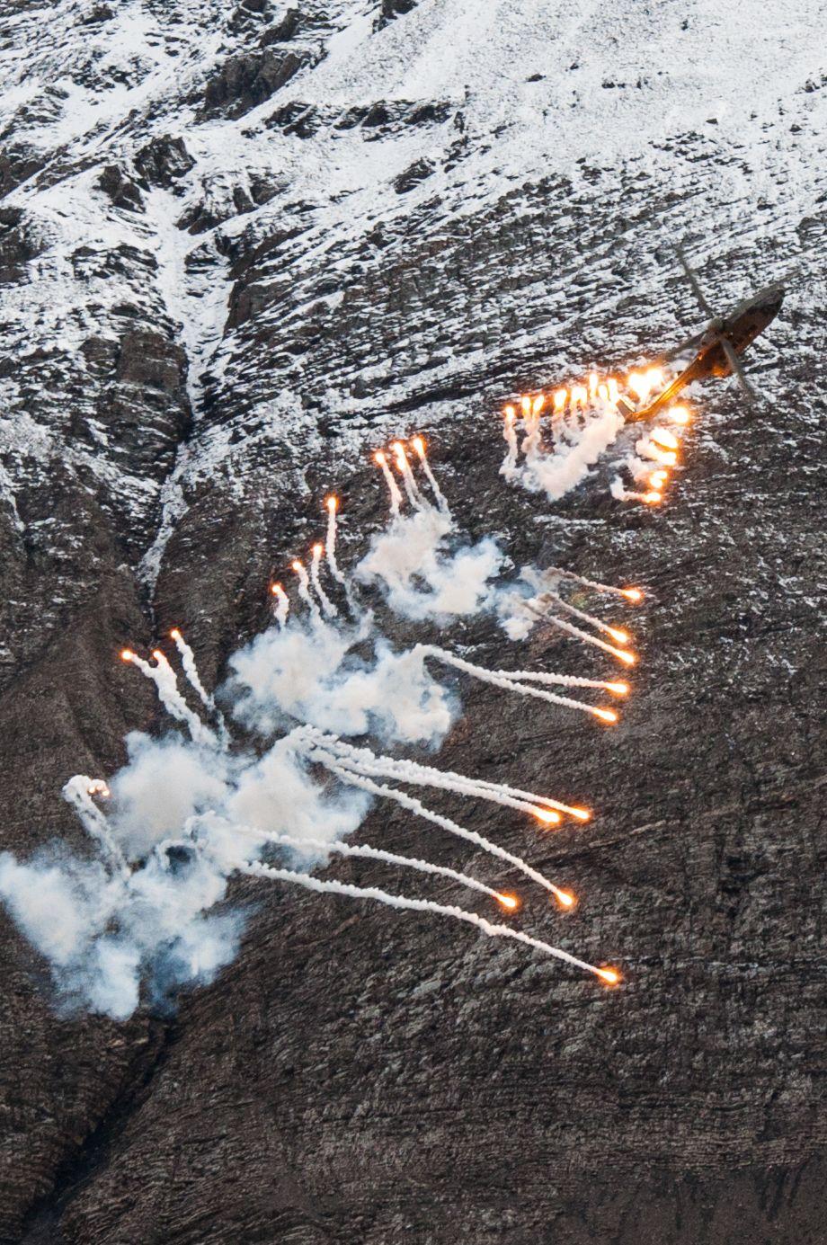 Air force live fire event Axalp 2012 - 10-11 Oct 2012 - Pagina 2 000199