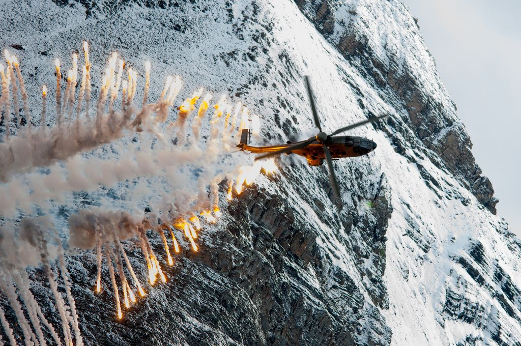 Air force live fire event Axalp 2012 - 10-11 Oct 2012 - Pagina 2 0001100u