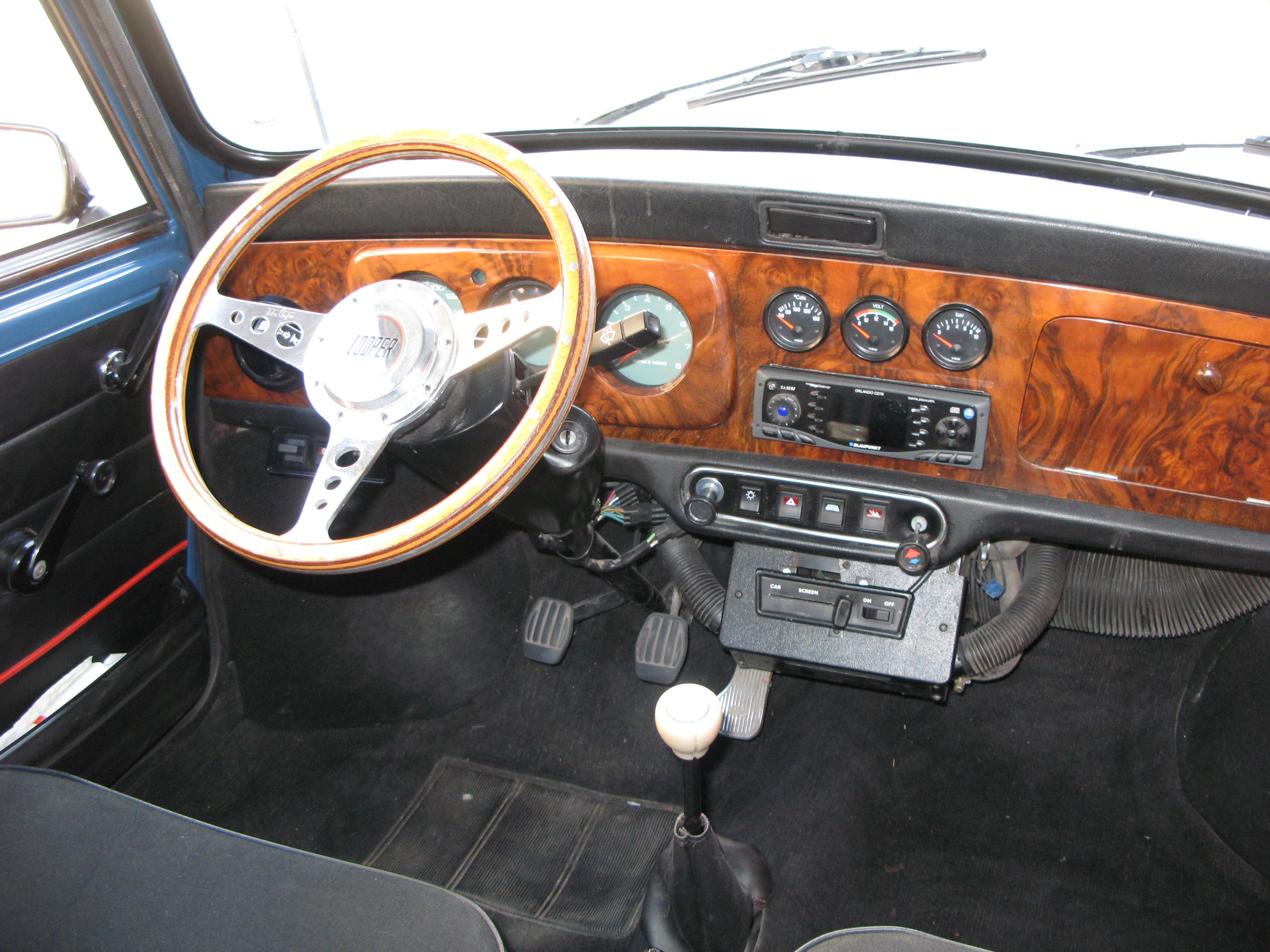 Liégeois en Mini 1000 de 1979... peut-être Img3543cp