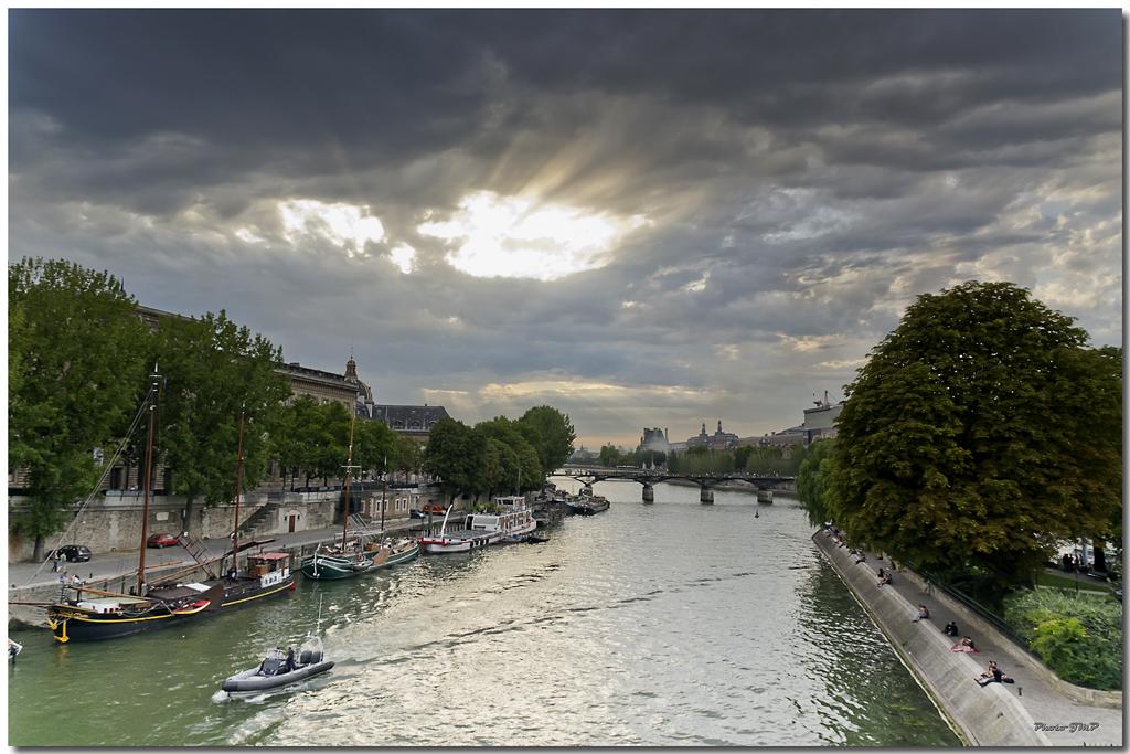 A Paris au mois d'août.  - Page 10 Jp115801024