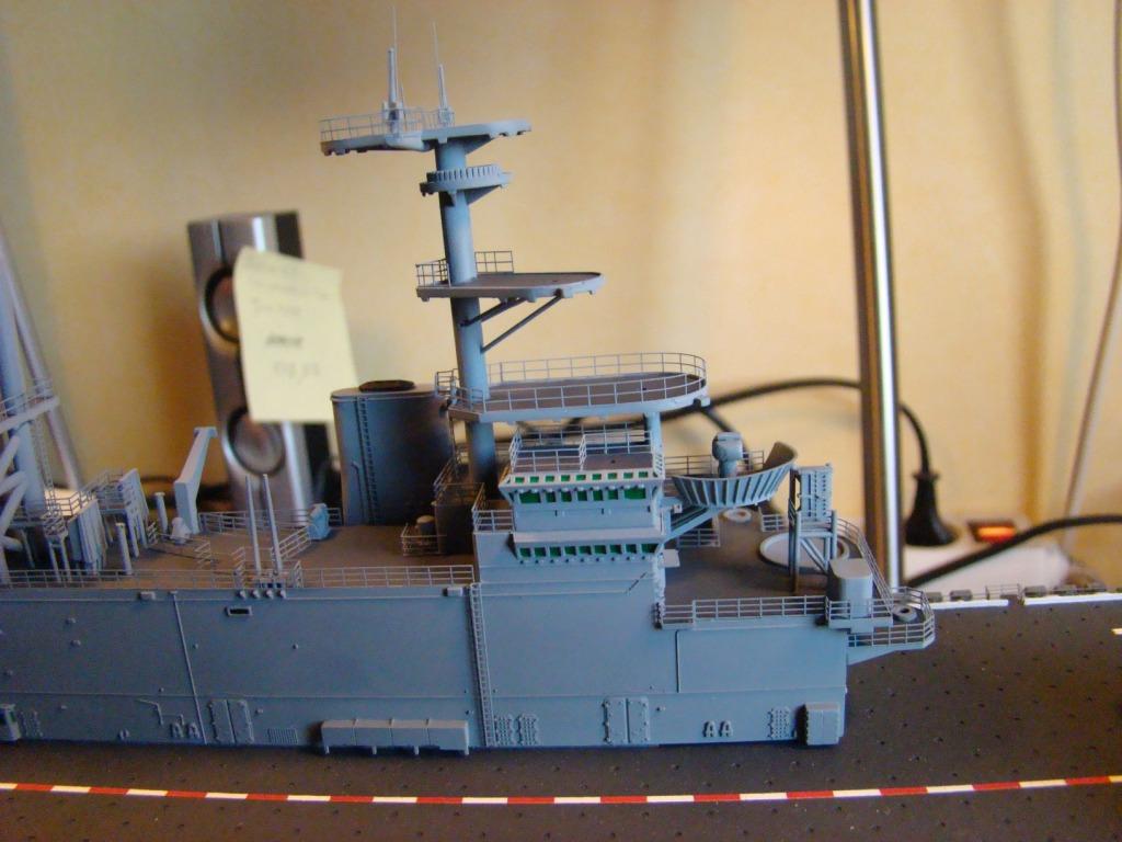 USS WASP LHD-1 au 1/350ème - Page 3 Dsc09058bc