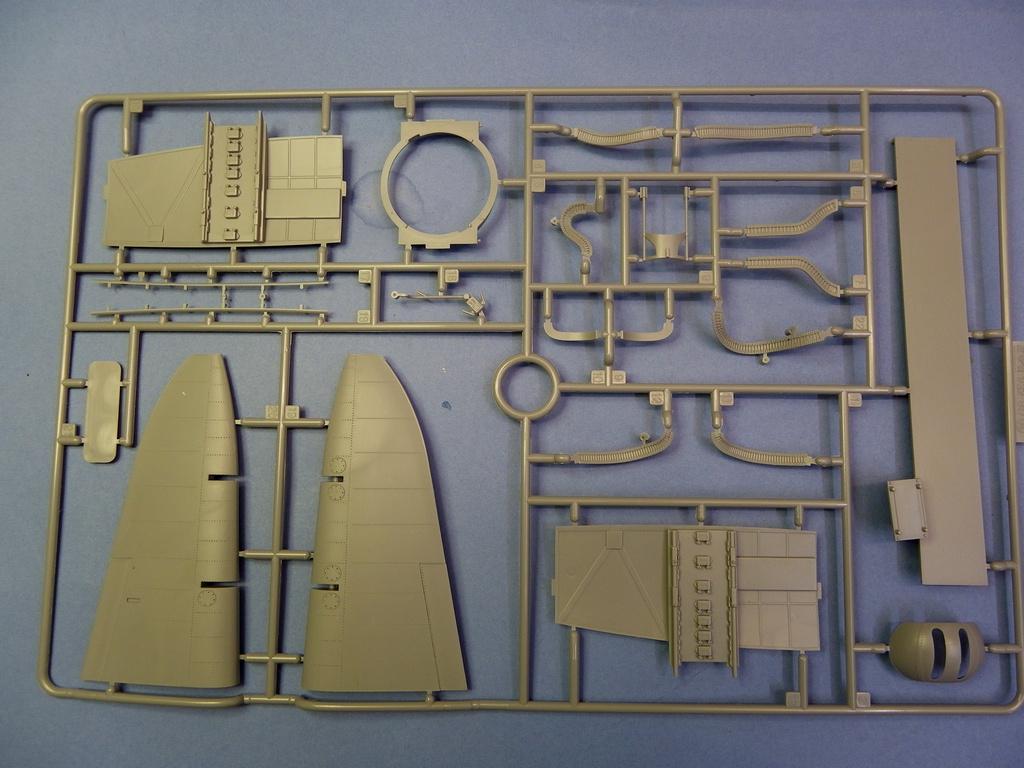 [Revue de Kit] BOEING B-17G - Hong Kong Models - 1/32 Oql1