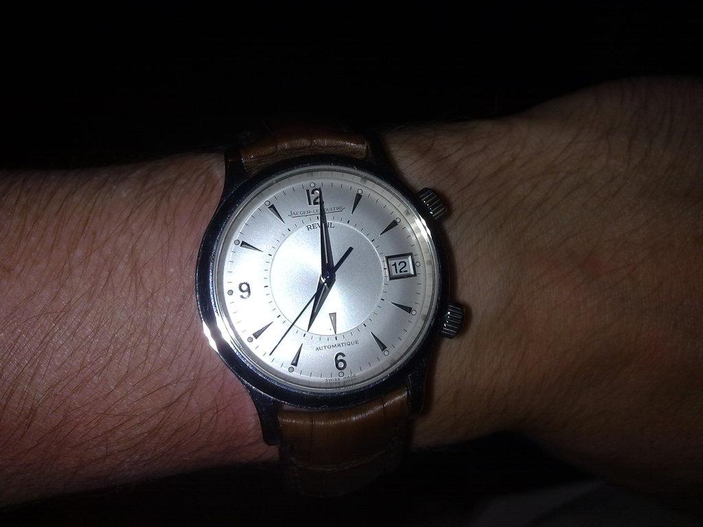 De retour de Guadeloupe, j'ai vu plein de belles choses, même des montres... 12112010787