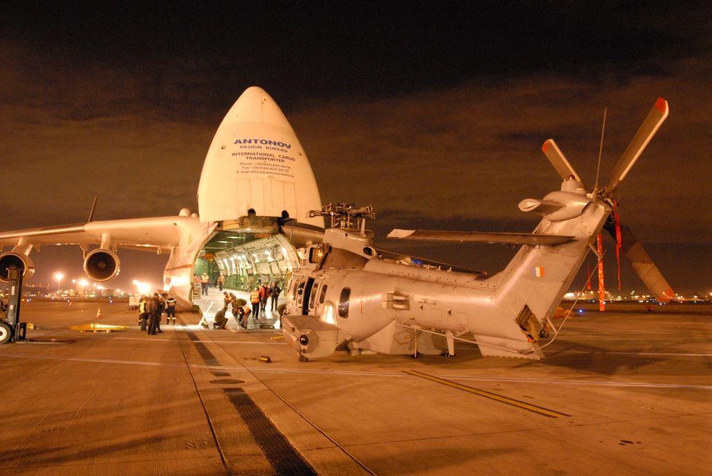 Photos Perso Antonov 225 chargement EC725 Caracal 8y6f