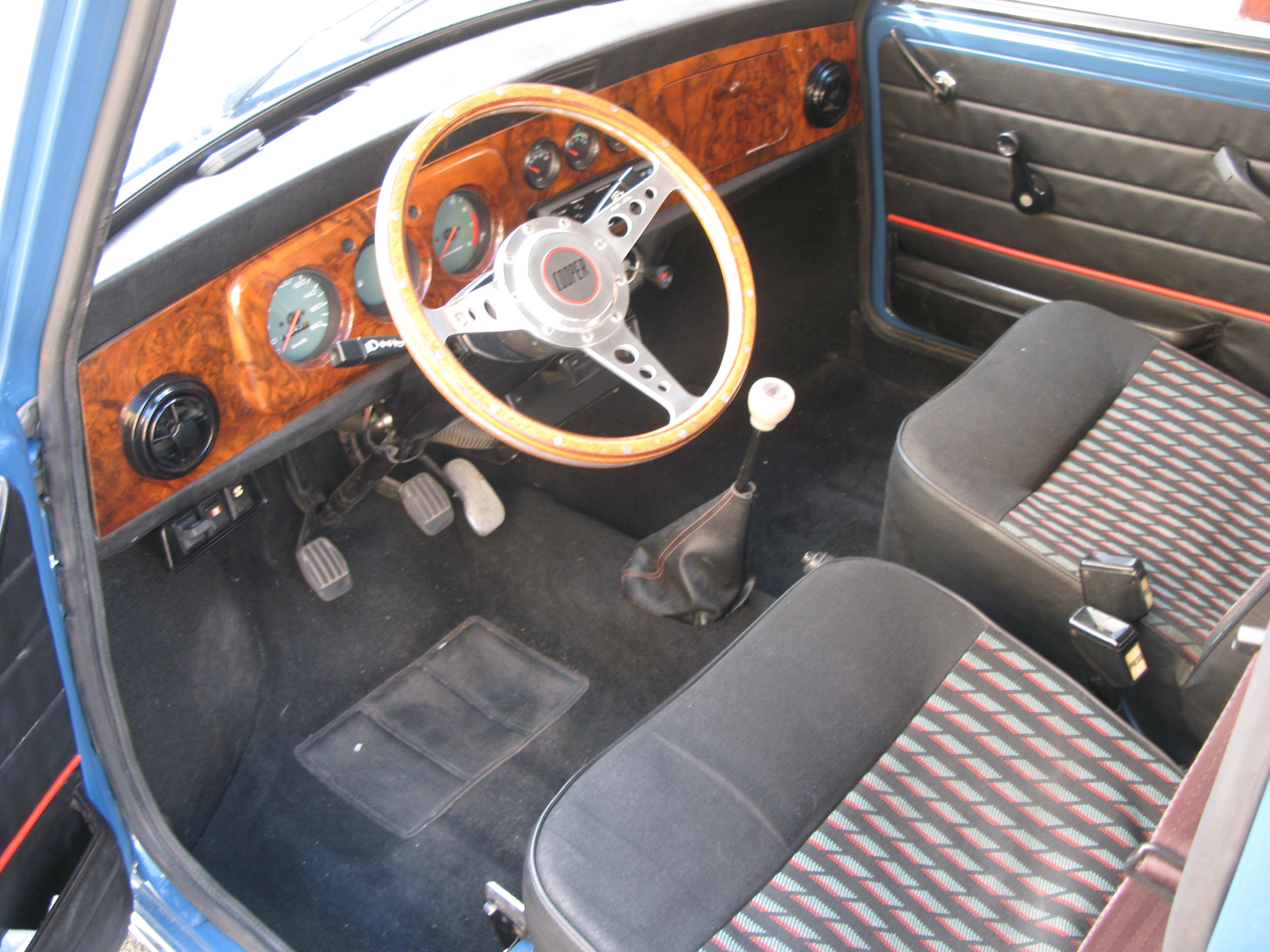 Liégeois en Mini 1000 de 1979... peut-être Img3537l