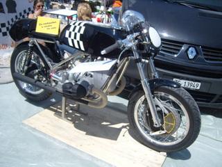 DU BEAU ET DU MOINS BEAU Coupesmotolgende2009065