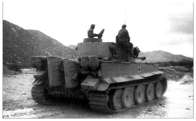 Tiger I du sPzAbt. 501 en Tunisie 1943 Tigerinr121spzabt5012