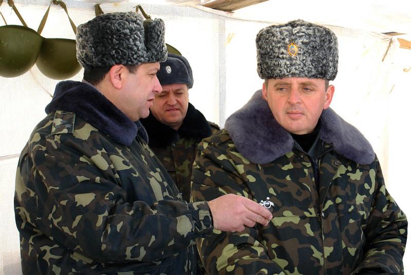 Ukrainian Armed Forces / Zbroyni Syly Ukrayiny - Page 3 2012uragans255423296