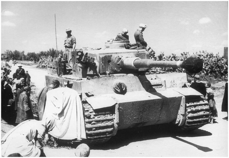 Tiger I du sPzAbt. 501 en Tunisie 1943 Tigerinr724exnr112spzab