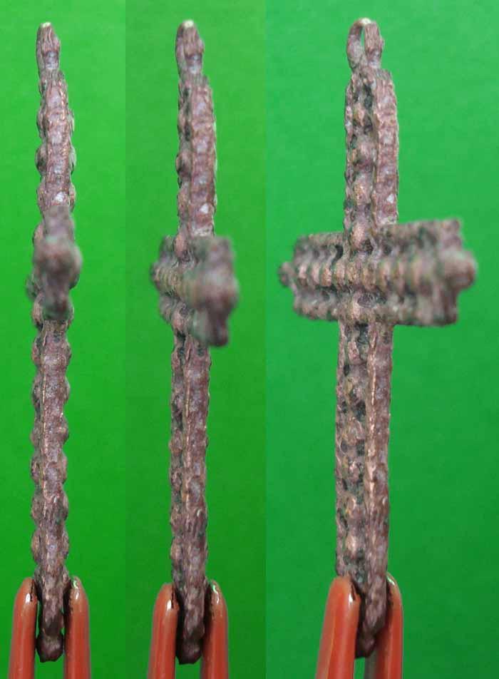 Cruz de filigrana con pezuelos S-XVII– CC(021) Cc021b