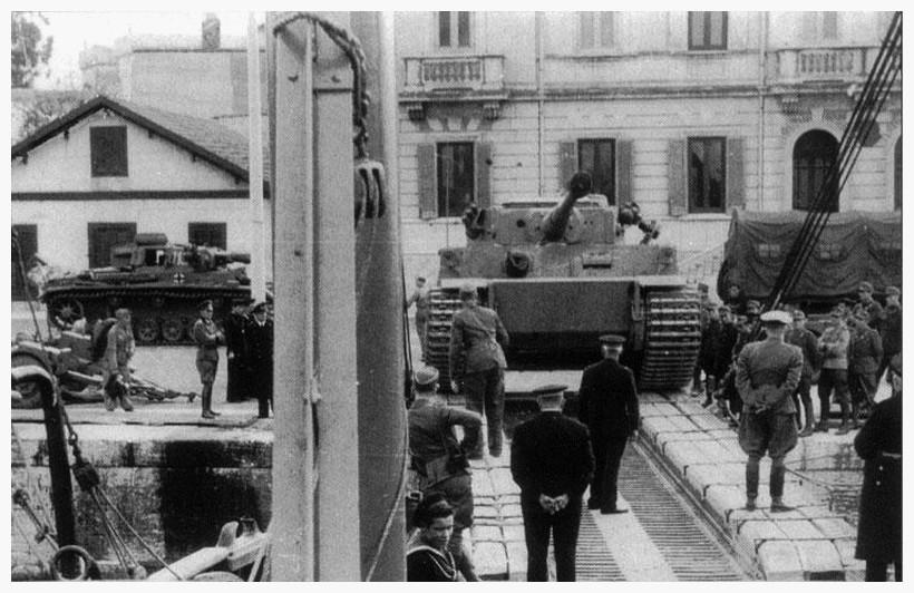 Tiger I du sPzAbt. 501 en Tunisie 1943 Tigerinr112pzviespzabt5