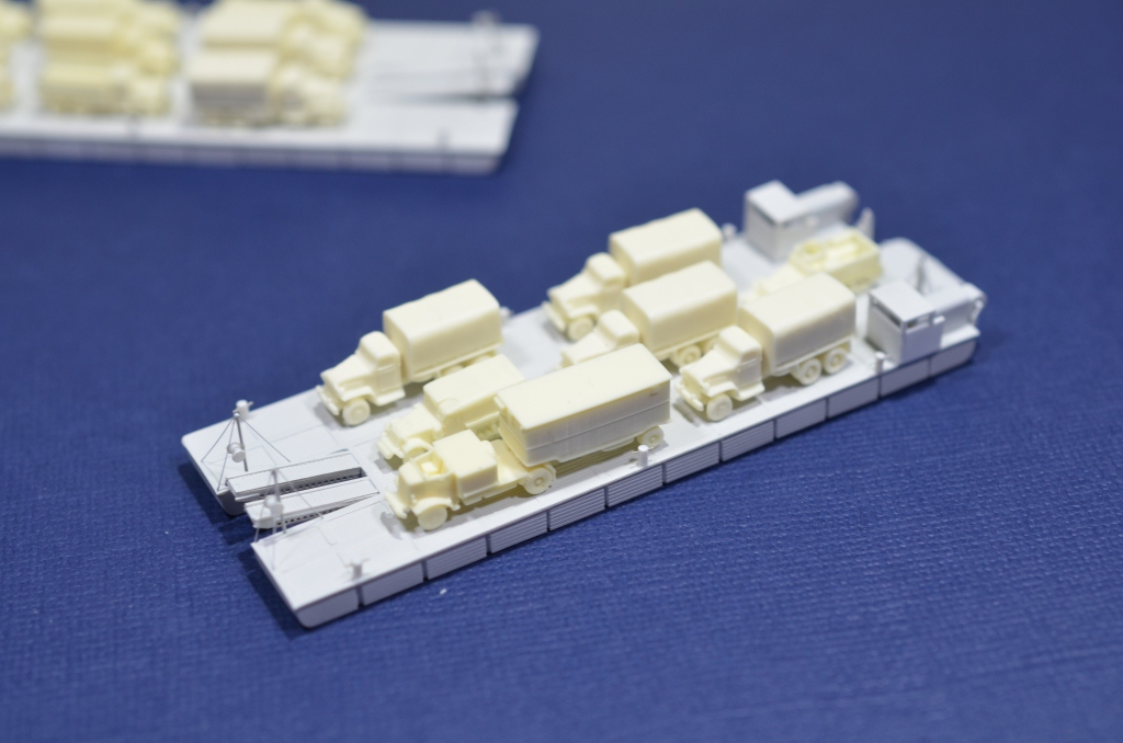 Port Artificiel MULBERRY au 1/350 - Page 3 Ksyx