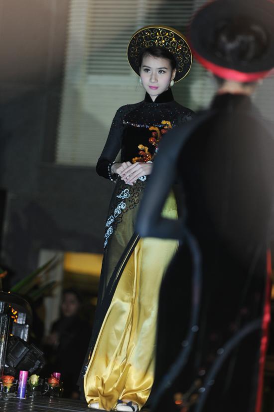 2 bộ sưu tập áo dài Aodai4