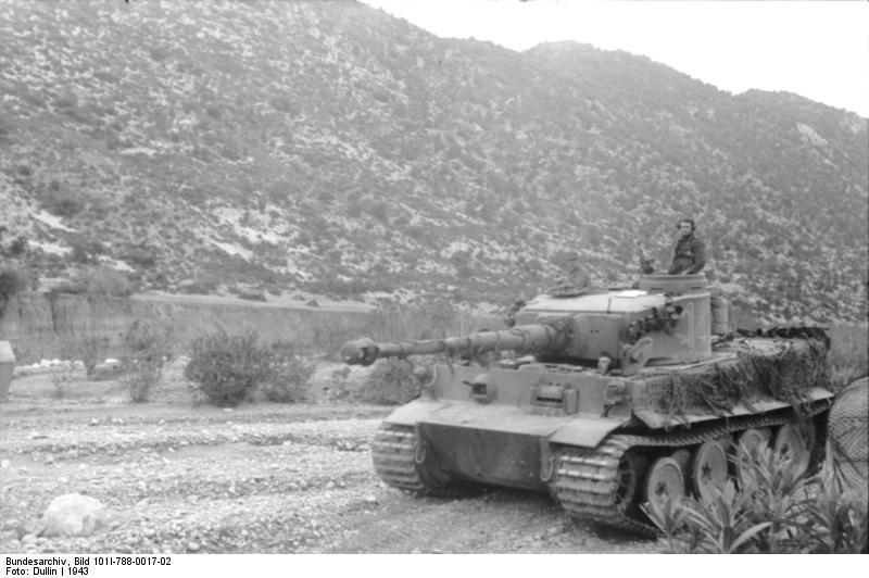 Tiger I du sPzAbt. 501 en Tunisie 1943 Tigerinr142spzabt501tun