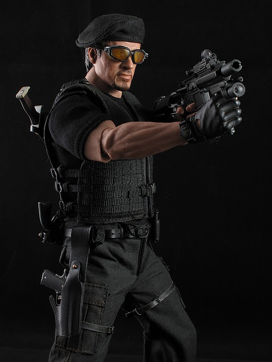 "HOTTOYS (figurine 12"" THE EXPENDABLES) - Page 5 Ross026"