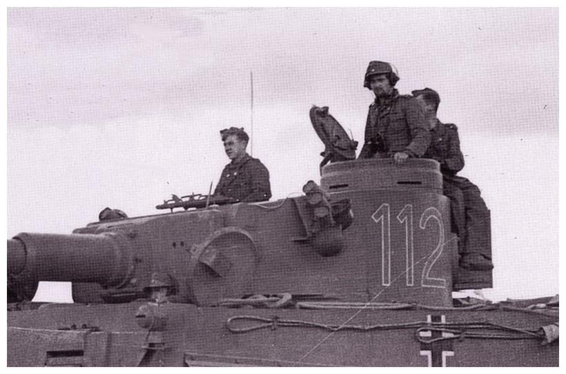 Tiger I du sPzAbt. 501 en Tunisie 1943 Tigerinr112spzabt501int