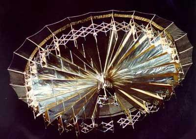 1999: Photographie curieuse prise par le spationaute Jean-Pierre HAIGNERÉ - Page 2 Ukdi