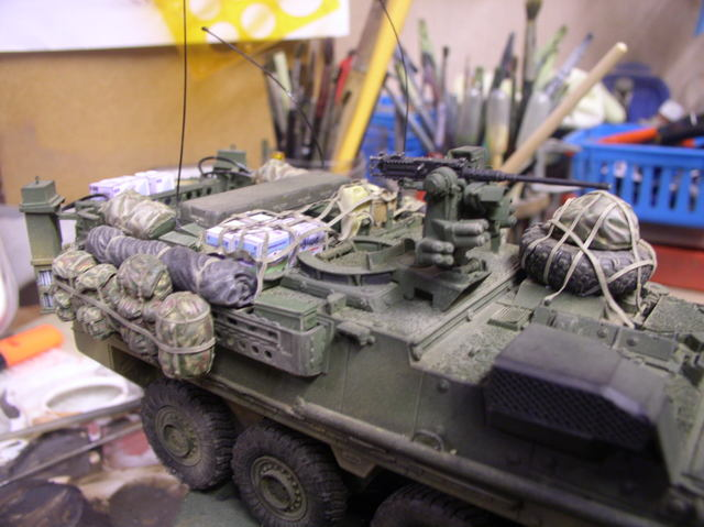 Stryker 1132 mine roller 1/35 Trumpeter Dio terminé - Page 4 112chc