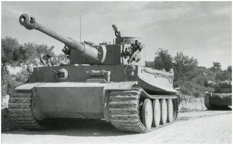 Tiger I du sPzAbt. 501 en Tunisie 1943 Arrivebizerte
