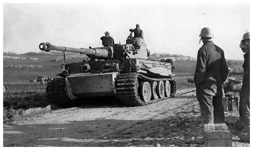 Tiger I du sPzAbt. 501 en Tunisie 1943 Tigerinr121spzabt501pzv