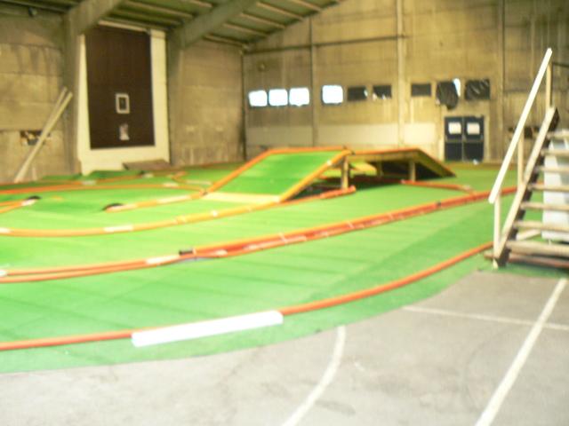 BLACK COUNTRY ARENA Première piste Indoor TT permanente en Belgique - Page 2 P1050979