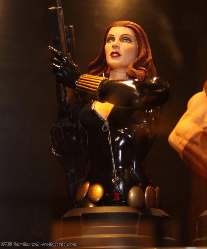 BLACK WIDOW MINI BUST GENTLE GIANT  Img9749d