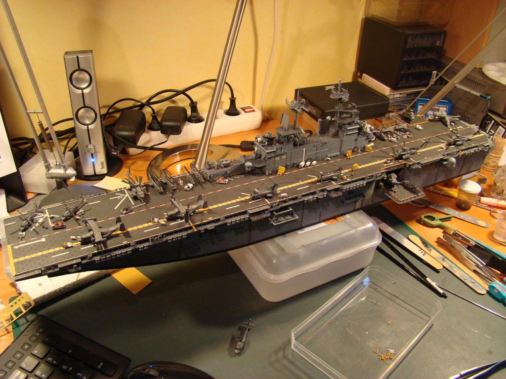 USS WASP LHD-1 au 1/350ème par nova73 - Page 8 Dsc09116q