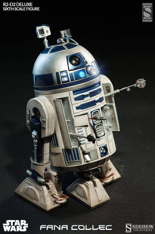 STAR WARS - R2-D2 deluxe 5pzy