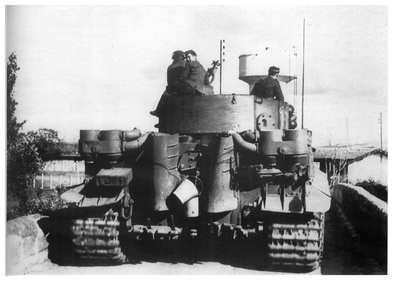 Tiger I du sPzAbt. 501 en Tunisie 1943 Tigerinr112spzabt501thi