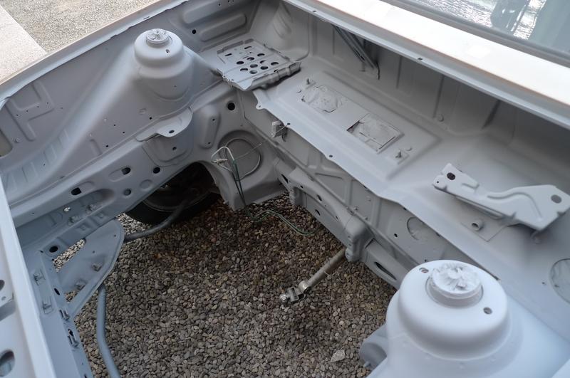 Reconversion de mon Escort MK3 Ghia en Escort RS 1600i - Page 6 P1050823v