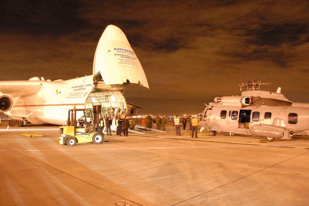 Photos Perso Antonov 225 chargement EC725 Caracal 642i