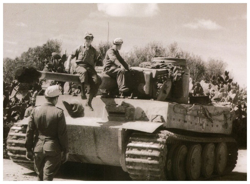 Tiger I du sPzAbt. 501 en Tunisie 1943 Tigerinr724spzabt501