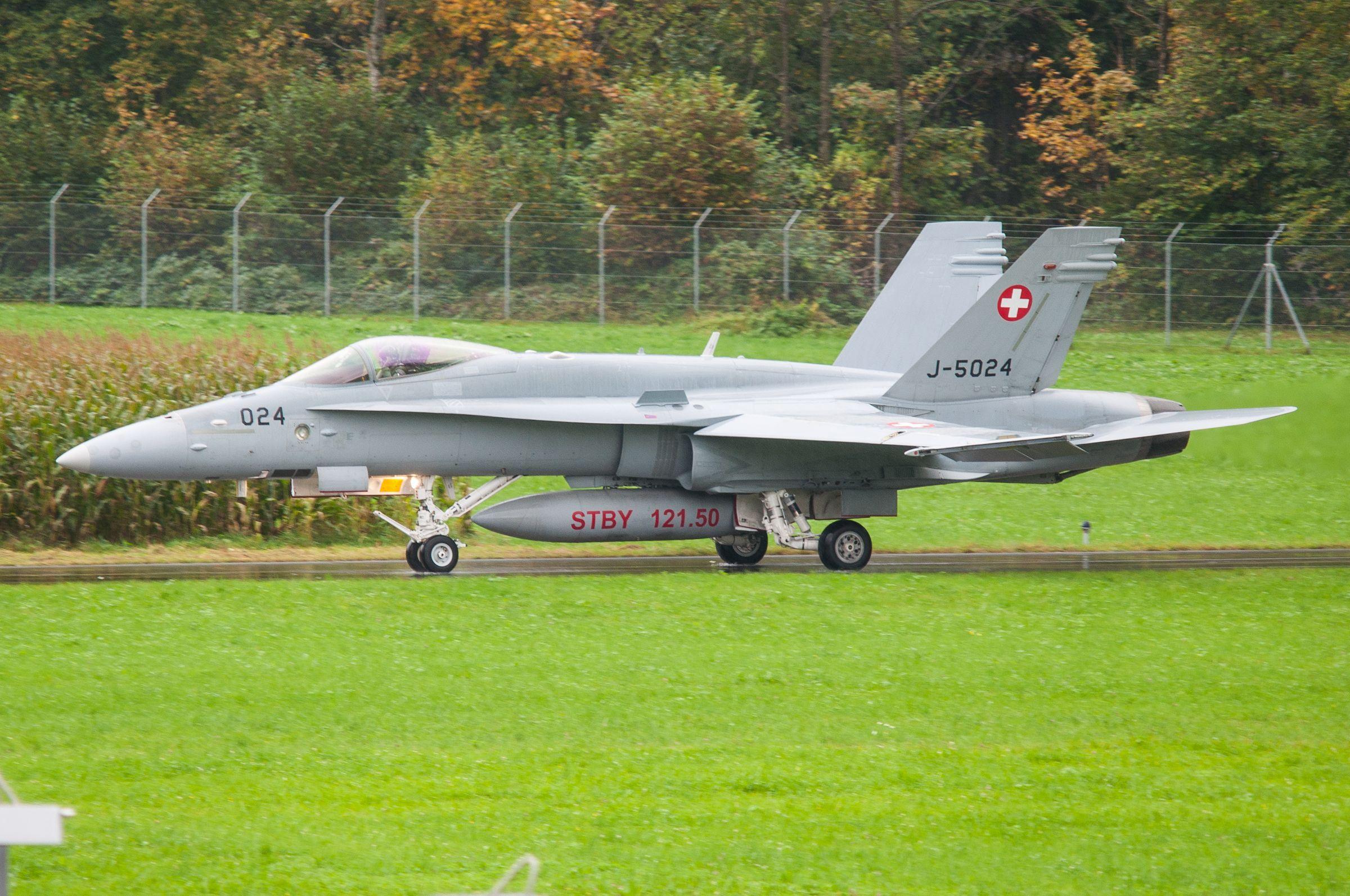 Air force live fire event Axalp 2012 - 10-11 Oct 2012 - Pagina 2 000136p