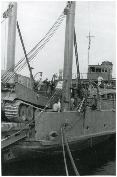 Tiger I du sPzAbt. 501 en Tunisie 1943 Tigerinr112spzabt501tun