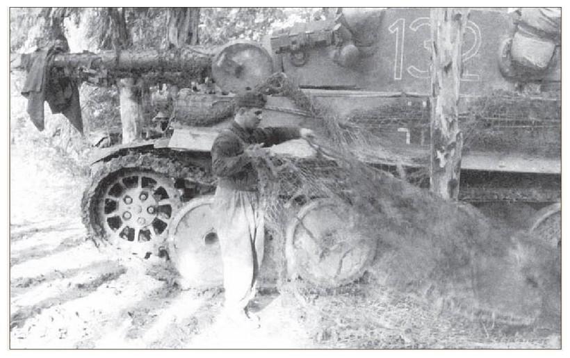 Tiger I du sPzAbt. 501 en Tunisie 1943 Tigerinr132spzabt501ent