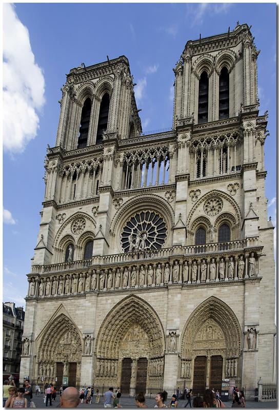 A Paris au mois d'août.  - Page 10 Jp11547pano1024