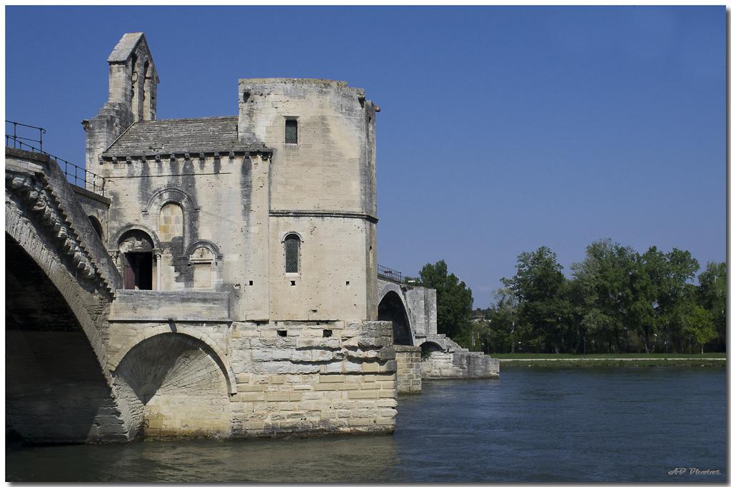 Photos de la rencontre Avignon du 14 Avril 2012 - Page 3 N07avignonpont02ap11022