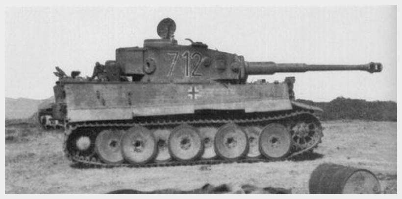 Tiger I du sPzAbt. 501 en Tunisie 1943 Tigerinr712spzabt501